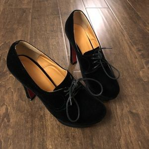 Shoes - Black high heel shoes